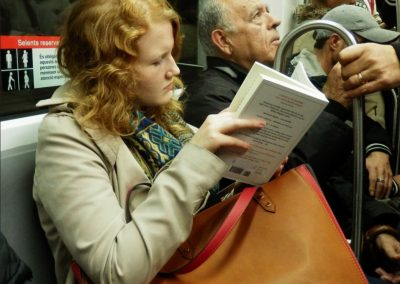 La lectora pelirroja. Historias del Metro
