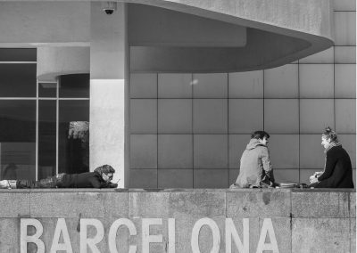 Universitarios y Skaters en el MACBA