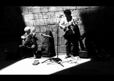 Musicos callejeros en el Gòtic