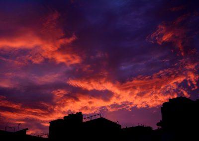 Azoteas y luz púrpura